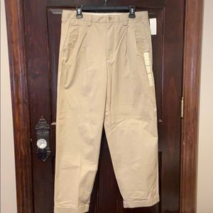Gap Pleated Front Mens Khaki Relaxed Fit 34/30 New